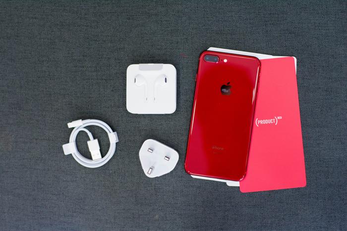 Cận cảnh iPhone 8 Plus đỏ đẹp long lanh vừa về VN