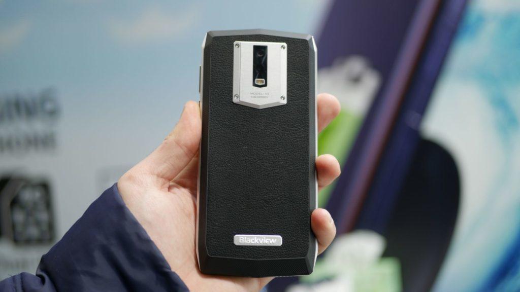 Smartphone pin 'quái vật' 11.000 mAh giá hơn 4 triệu đồng