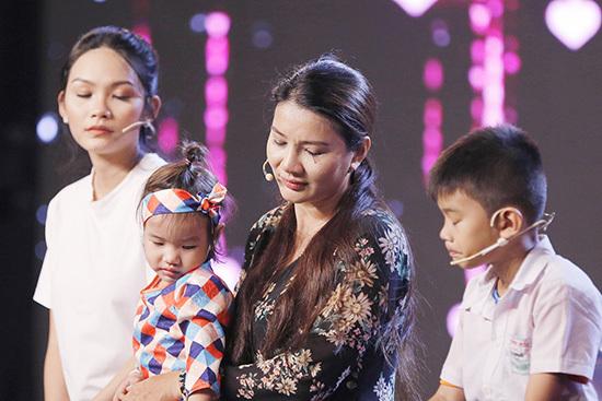 Kiều Trinh,Phi Nhung,gia đình nghệ thuật