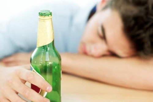 Gỡ rối cho người  bị rối loạn tiêu hóa do rượu bia