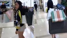 Cô gái gánh cả siêu thị về nhà