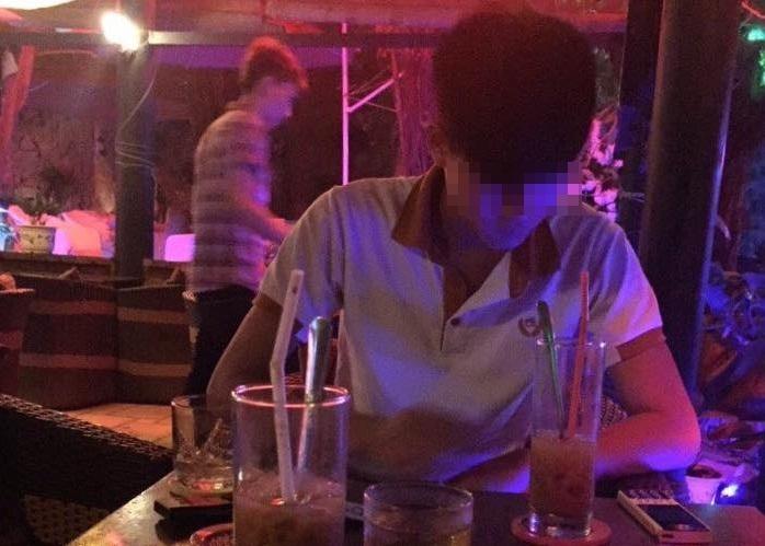 Tiệc sinh nhật trong hầm rượu của đại gia ngành địa ốc