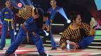 Vân Trang gây sốt khi lên sân khấu kẹp cổ quật ngã thí sinh