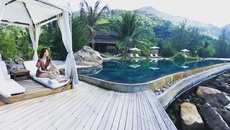 Hồ Ngọc Hà chia sẻ hình ảnh đi nghỉ dưỡng sang chảnh