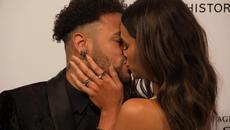 """Neymar diễn """"cảnh nóng"""" với cô bồ xinh đẹp"""