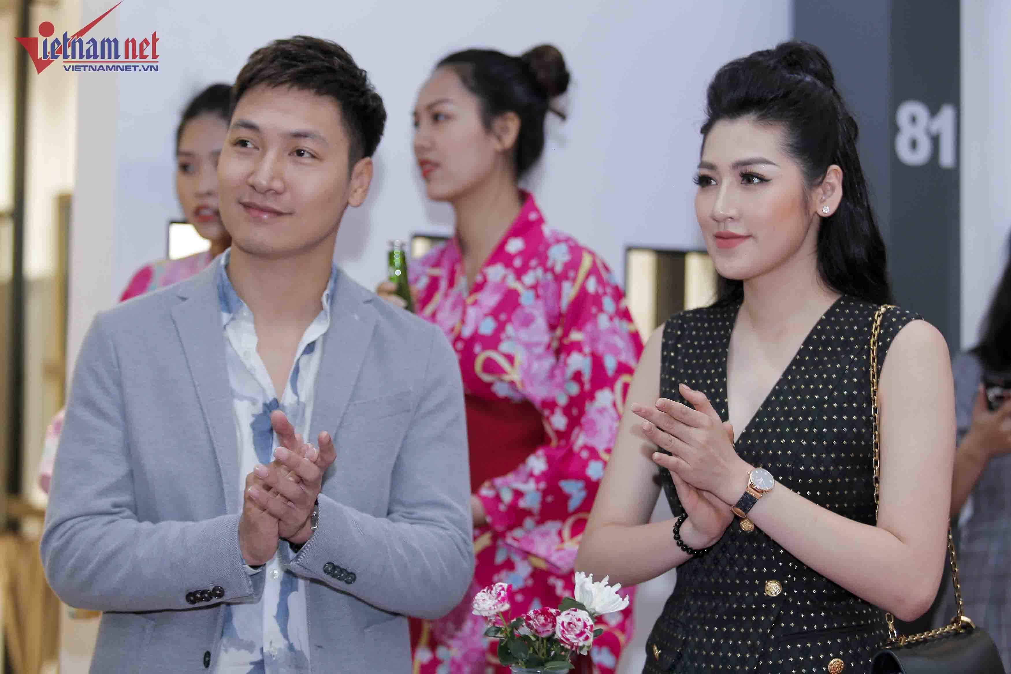 Á hậu Tú Anh lần đầu dự sự kiện sau khi rời VTV