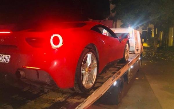 siêu xe của ca sĩ Tuấn Hưng,siêu xe,siêu xe Ferrari 488 GTB,ca sĩ Tuấn Hưng,tai nạn