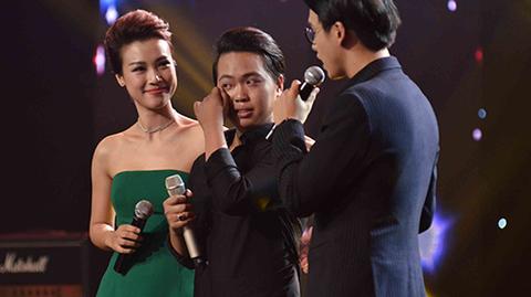 Thái Đạt Thành bật khóc trước lời động viên của Minh Tuyết