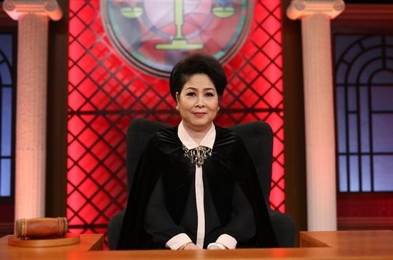 Ninh Dương Lan Ngọc,S.T,Trấn Thành,Việt Hương,Phiên tòa tình yêu