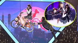 Minh Hằng hoảng hốt vì sự cố bất ngờ trên sân khấu