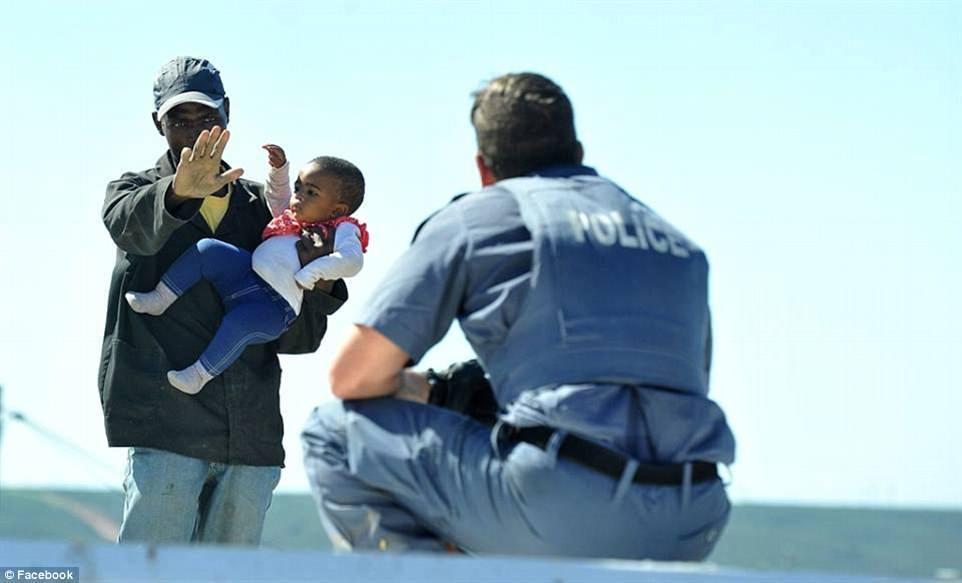 giải cứu,giải tỏa,cảnh sát,bé gái