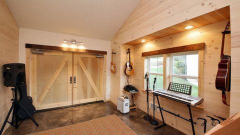 Nhà đẹp với ý tưởng cải tạo nội thất gara cũ