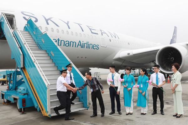 Vietnam Airlines đón máy bay A350 thứ 12