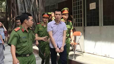 Ngập trong cờ bạc, cựu cảnh ѕάт thành gián điệp - VietNamNet