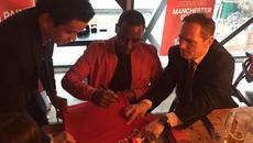 Andy Cole giao lưu cùng CĐV Việt Nam tại Old Trafford