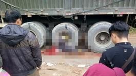 Đường trơn trượt, người đàn ông chết thảm dưới bánh xe đầu kéo