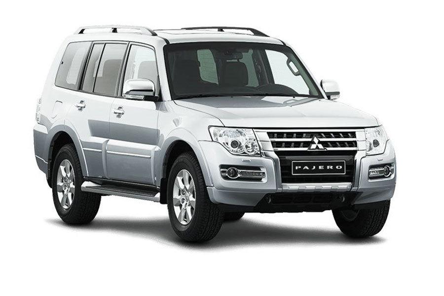 Mẫu xe nhập khẩu nguyên chiếc Mitsubishi Pajero tiếp tục được giảm giá lên tới 164 triệu đồng.