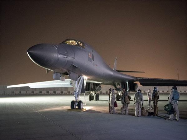 Chiến cơ Mỹ,tên lửa Mỹ,Syria bị tấn công tên lửa,B-1B Lancer,máy bay ném bom tầm xa,Syria