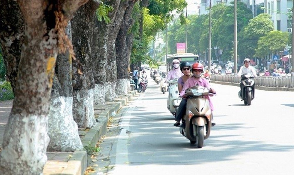Dự báo thời tiết 18/4: Miền Bắc tăng nhiệt, Nam Bộ mưa trái mùa