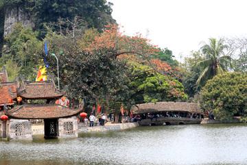 Lễ hội chùa Thầy 2018 kéo dài suốt 3 tháng