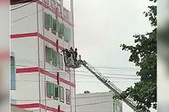 Cháy khách sạn ở Sài Gòn, nhiều người nước ngoài kêu cứu