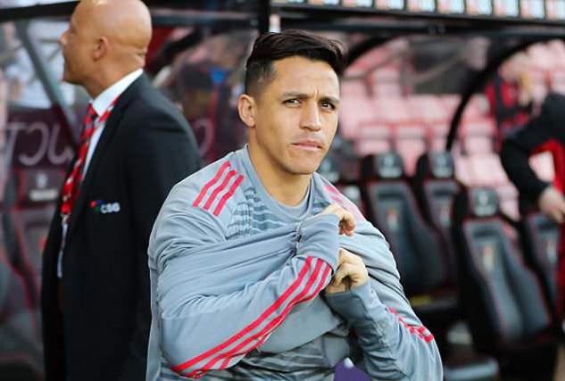 Mourinho hãy dùng Rashford, quẳng Sanchez lên ghế dự bị
