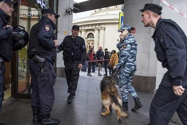 Bộ Ngoại giao Nga náo loạn vì bị dọa đánh bom