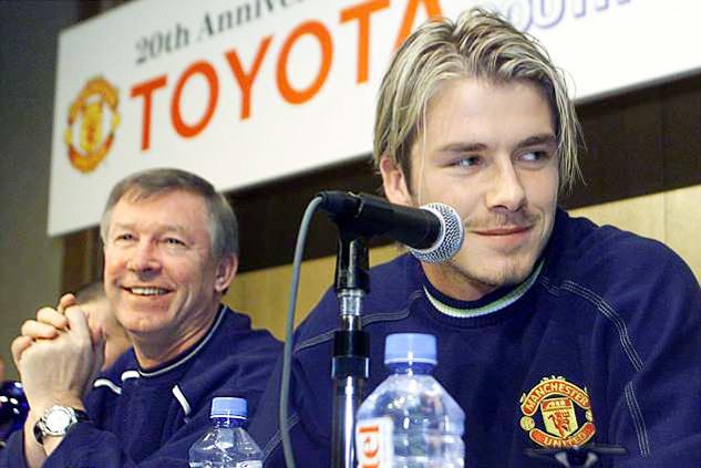 Pogba là 'cậu bé hay hờn dỗi', Mourinho bán tống 140 triệu bảng