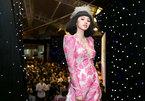 Jolie Nguyễn diện loạt trang sức gần 5 tỷ đi xem thời trang