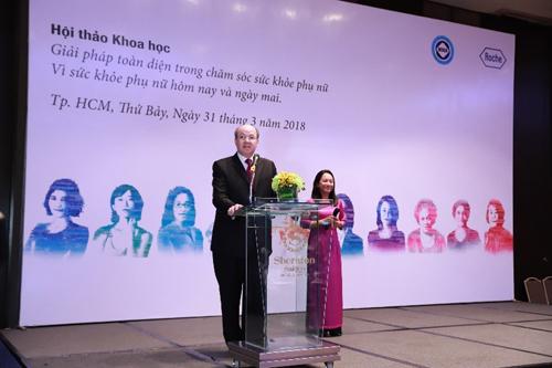 Roche cống hiến giải pháp chăm sóc toàn diện sức khỏe phụ nữ