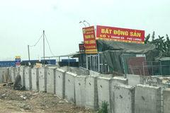 Giá nhà đất giảm mạnh: Dân Hà Nội không dám mua đi, bán lại