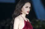Hương Giang Idol cực sexy làm vedette show thời trang