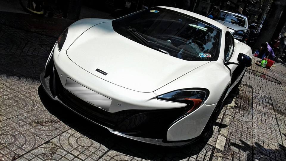 Đại gia Đặng Lê Nguyên Vũ bán hàng loạt siêu xe