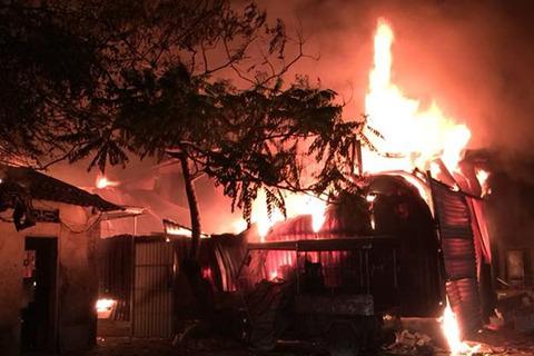 cháy xưởng Định Công