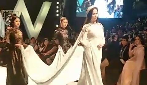 Ngọc Trinh, NSUT Chiều Xuân đóng vai mẹ con diễn thời trang