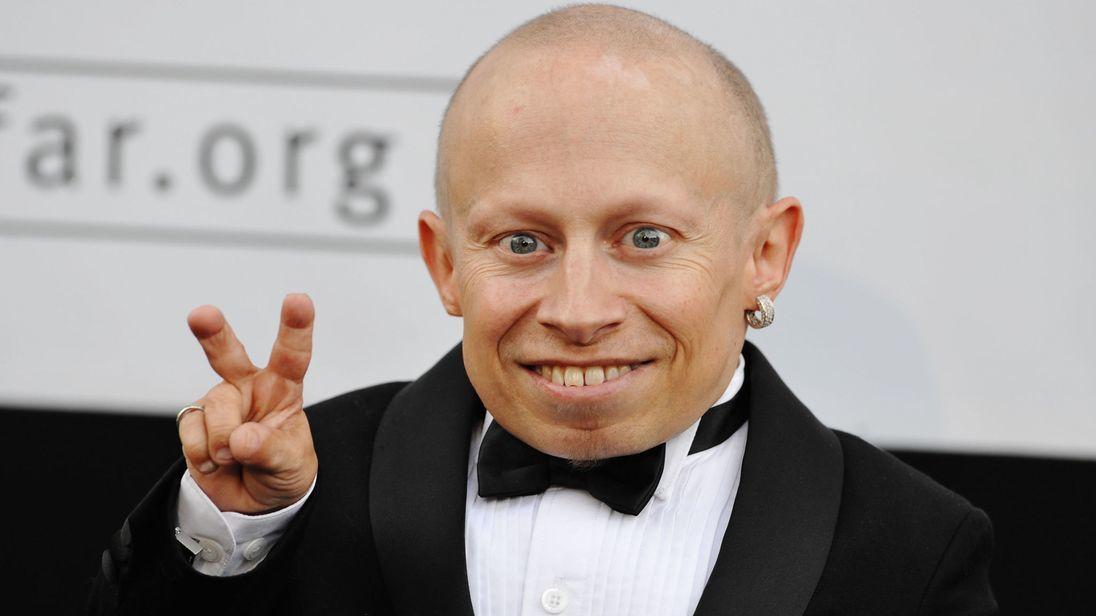 Diễn viên tí hon của 'Harry Potter' qua đời ở tuổi 49