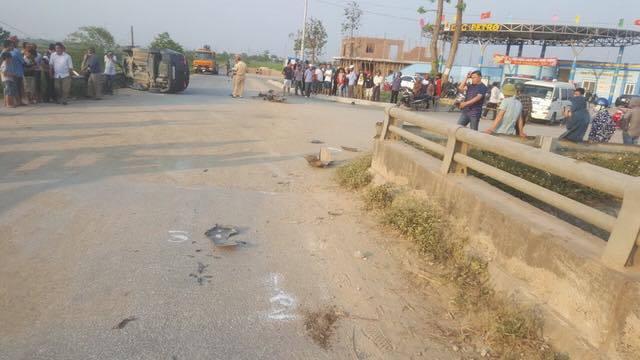 Ô tô đối đầu xe máy điện, 1 học sinh tử vong