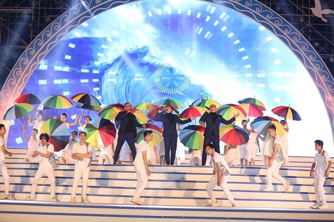 Hơn 20 ngàn người dự Lễ hội du lịch biển Sầm Sơn 2018