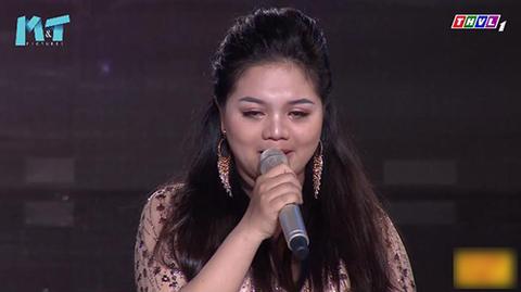 Thí sinh Nam Hương bật khóc vì chia sẻ của HLV Minh Tuyết