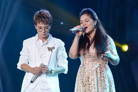 Ca sĩ Phương Thanh bất ngờ chia sẻ thói xấu thường xuyên 'canh me' để hôn Lam Trường