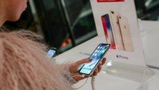 Apple vẫn phụ thuộc vào đối thủ Samsung trong sản xuất iPhone