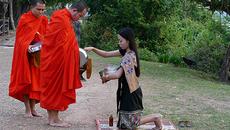 Hình ảnh đẹp mỗi sáng trên khắp đất nước Lào