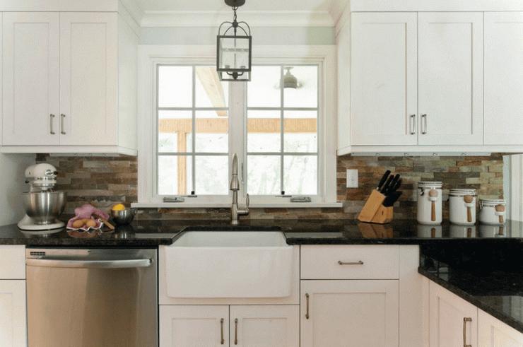 Nội thất nhà bếp với cách trang trí tấm chắn sau bếp