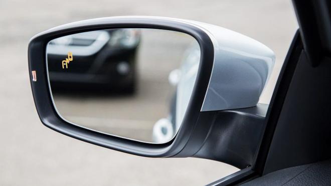 10 trang bị an toàn phải có khi chọn mua xe ô tô