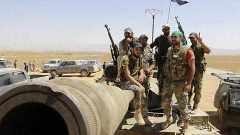 phe nổi dậy Syria giao nộp vũ khí, tên lửa Mỹ