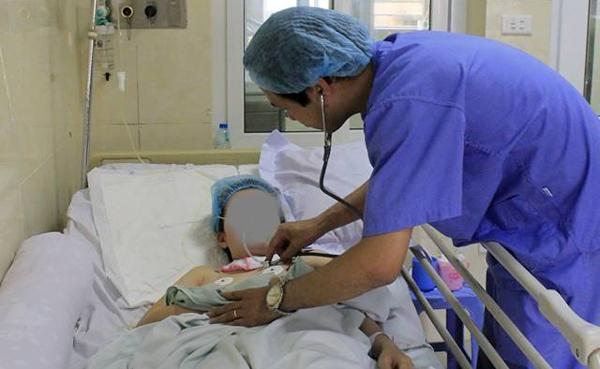 Đau đầu uống giảm đau, cô gái trẻ Hà Nội bất ngờ hôn mê
