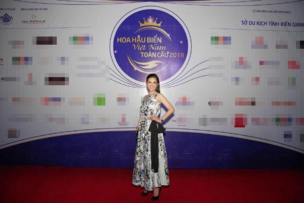Đinh Hiền Anh lộng lẫy trong chung kết Hoa hậu biển