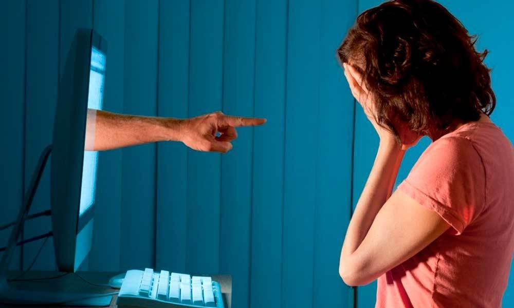 Nói xấu đồng nghiệp trên Facebook, thầy giáo bị 'phạt' 20 triệu đồng