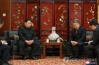 Kim Jong Un bất ngờ tới thăm Đại sứ quán Trung Quốc