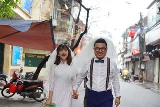 Cô gái Việt và chàng trai Hàn nên duyên từ chiếc mũ bỏ quên